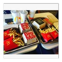 Photo taken at McDonald's by Kazhal R. on 9/5/2016