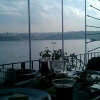 12/2/2012 tarihinde özge D.ziyaretçi tarafından Circle Restaurant & Cafe'de çekilen fotoğraf