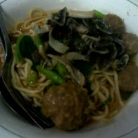 Photo taken at Mie Baso H. Oding / AGA by Risye Bella on 6/27/2013