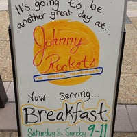 Photo taken at Johnny Rockets by Brambleton on 6/22/2013