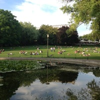 Das Foto wurde bei Weinbergspark von Gisele N. am 6/13/2013 aufgenommen