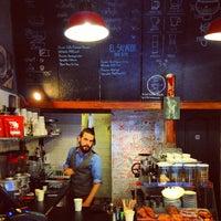 Foto tirada no(a) Tamp & Pull Espresso Bar por aleksander em 9/18/2013