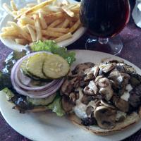 Снимок сделан в Tioli's Crazee Burger пользователем Alyssa D. 2/20/2013