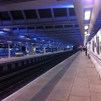 Photo taken at London Blackfriars Railway Station (BFR) by Rhammel A. on 9/27/2012