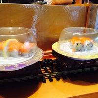 Photo prise au Mizu Sushi Steak Seafood par GoGirl N. le3/26/2015