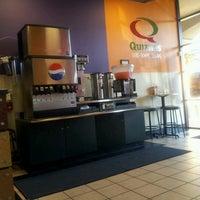 Foto scattata a Quiznos da Scott B. il 9/14/2012