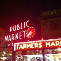 Foto tirada no(a) Market Ghost Tours por Jessica L. em 10/31/2012
