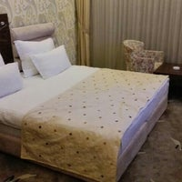 Photo taken at Erbil Mercury Hotel by Özgür H. on 6/10/2015