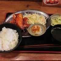 Photo taken at やきとりのほっと屋 人形町店 by Masaru O. on 4/14/2013