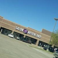 Photo taken at Salon Park Meyerland - #1 Black Hair Salon in Houston by Caramels' D. on 10/24/2017