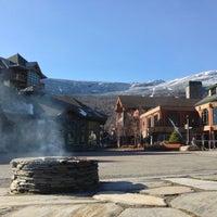Photo taken at Stowe Mountain Resort by Jake B. on 11/10/2012