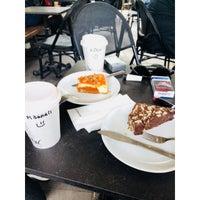 4/20/2018 tarihinde ✔️Kadir ÇLkziyaretçi tarafından Starbucks'de çekilen fotoğraf