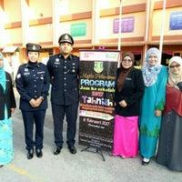 Photo taken at Sekolah Agama Menengah Rawang (SAMER) by Hjh Norhasimah H. on 2/6/2017