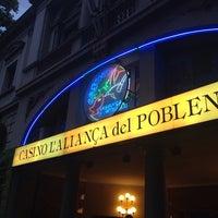 7/29/2014 tarihinde Oscar H.ziyaretçi tarafından Casino l'Aliança del Poble Nou'de çekilen fotoğraf