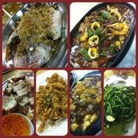 Photo taken at Restoran Sekinchan by Grace L. on 2/17/2013