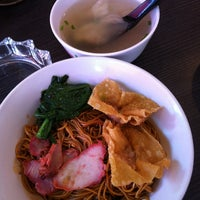 Photo taken at Noodles & Toast by Grace L. on 2/7/2013