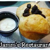 Foto tirada no(a) Jamms Restaurant por Paulette M. em 1/11/2017