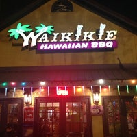 Photo prise au Waikikie Hawaiian BBQ par Paul J. le12/16/2012