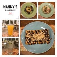 Das Foto wurde bei Nanny's Pavillon - Terrace von Erlina Sinta D. am 11/22/2017 aufgenommen