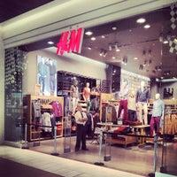 Foto tomada en H&M por Mauricio P. el 3/28/2013