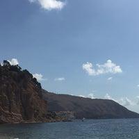 Photo taken at Playa de Mascarat Sur / La Barreta by Aline V. on 8/11/2016