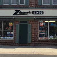 Снимок сделан в Zippy's Bike пользователем Phillip D. 4/3/2016