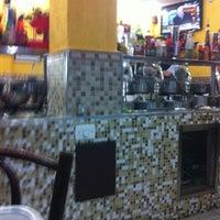 Foto tirada no(a) Landi Café por Roberto B. em 12/18/2012