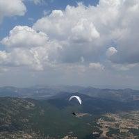 Photo taken at yaylacık dağı yamaç paraşütü pisti by Büşra K. on 8/19/2017
