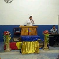 Photo taken at Igreja do Evangelho Quadrangular - Jd. Tremembé by Lucy A. on 10/7/2012