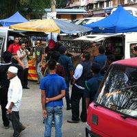 Photo taken at Pasar Malam Kerinchi by Azzy R. on 10/8/2012