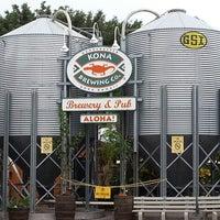 Photo taken at Kona Brewing Co. & Brewpub by Jill M. on 4/17/2013