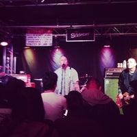 Photo taken at The Slidebar Rock-N-Roll Kitchen by Leilani B. on 2/22/2013