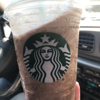 รูปภาพถ่ายที่ Starbucks โดย Steven G. เมื่อ 9/15/2017