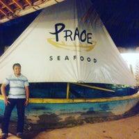 Photo taken at Praoe Sea Food by Mohd Shahiran S. on 4/1/2016