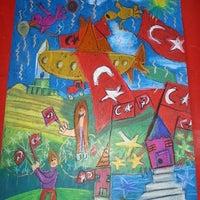 Photo taken at Art Vital Güzel Sanatlar Atölyesi by Özden on 10/18/2015