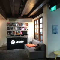 Photo taken at Spotify Asia HQ by stephiedoo on 3/13/2017