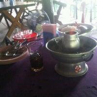 Photo taken at ร้านอาหารเรือนชาน by Aphichaya S. on 10/7/2012