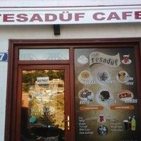 Photo taken at Tesadüf Cafe by Ömer E. on 7/25/2017