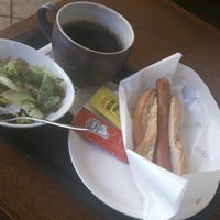 Photo taken at Tully's Coffee by Masahiro K. on 9/29/2012
