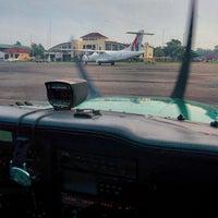 Foto diambil di Bandar Udara Tunggul Wulung (CXP) oleh Ariza P. pada 3/11/2015