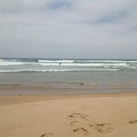 Foto tirada no(a) Praia da Amoreira por Pascal H. em 5/23/2013