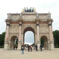 Foto tirada no(a) Arco do Triunfo do Carrossel por Alexei B. em 5/25/2013