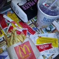 Foto tirada no(a) McDonald's por Guilherme Matheus S. em 11/17/2012