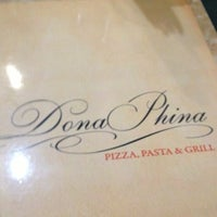 Photo taken at Dona Phina Pizza, Pasta & Grill by Beto G. on 11/16/2012