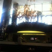 รูปภาพถ่ายที่ Chapelle โดย Ulas Y. เมื่อ 9/26/2012