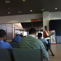 Photo taken at Balai Berlepas Antarabangsa Skypark by Mezoul R. on 1/6/2013