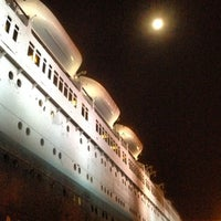 Photo taken at Queen Mary's Dark Harbor by Sean on 10/29/2012