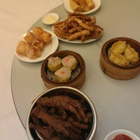 Photo taken at Gold Leaf Chinese Restaurant by Alexander Y. on 6/15/2013