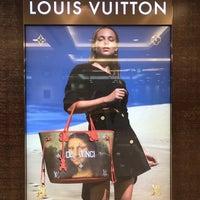 Photo taken at Louis Vuitton 小田急新宿店 by chihana on 6/24/2017