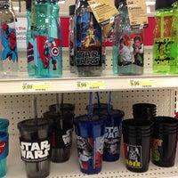 Foto diambil di Target oleh Veronica R. pada 8/9/2013